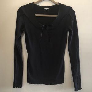 Stretchy Black Long Sleeve Top